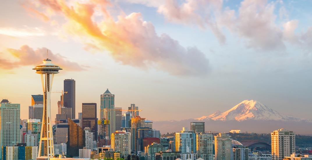 Seattle skyline mount rainier