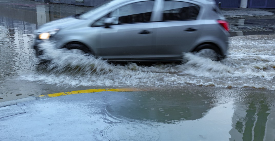 Drivers advised to avoid portion of Spadina Avenue due to flooding