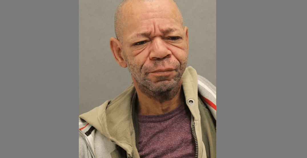 Man arrested after holding two women against their will in Toronto