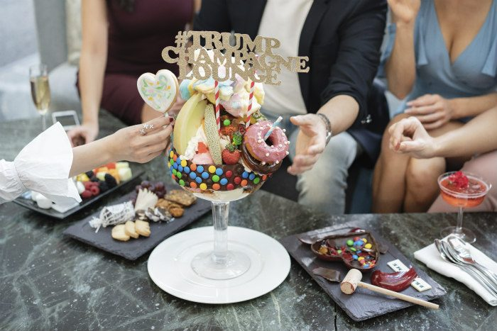 Image the trump champagne lounge crudo bar1