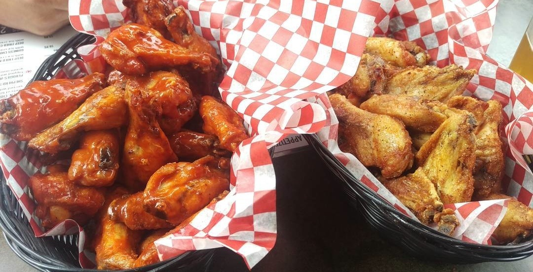Shredding a pic of your ex on Valentine's Day gets you FREE wings at this Montreal spot