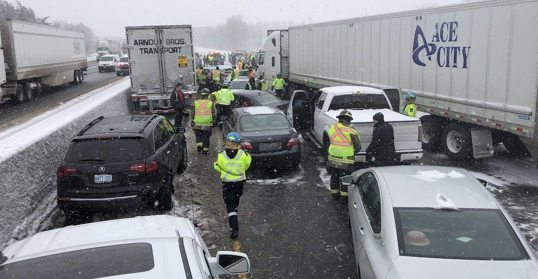 Over 20 vehicle pileup blocked portion of the 401 in Milton this afternoon (PHOTOS)