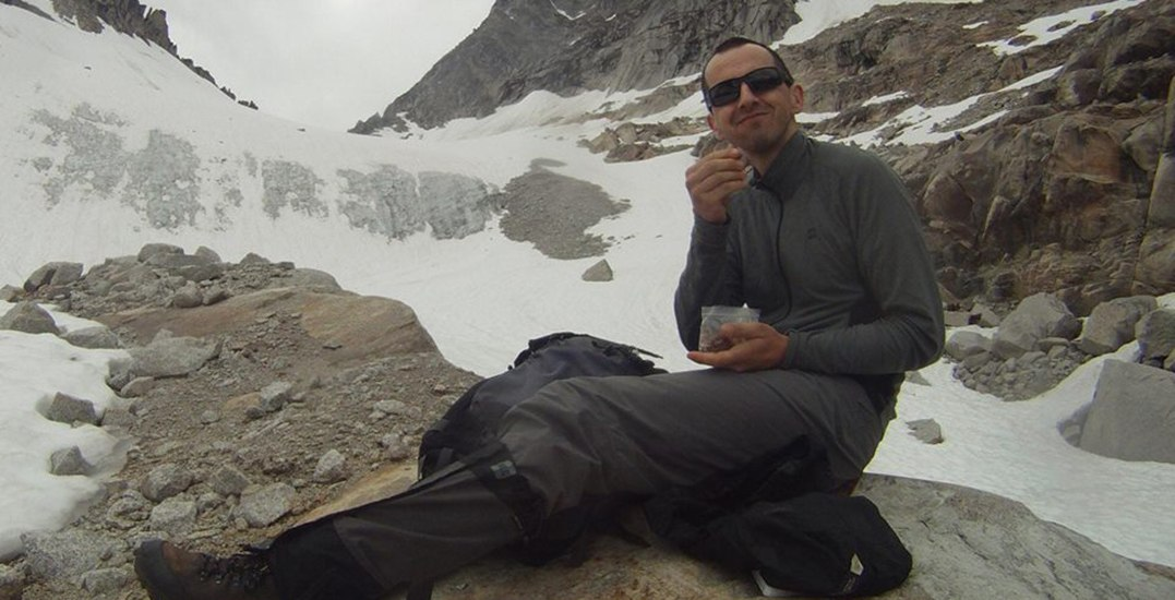 Snowshoer swept away by avalanche found dead by rescue teams
