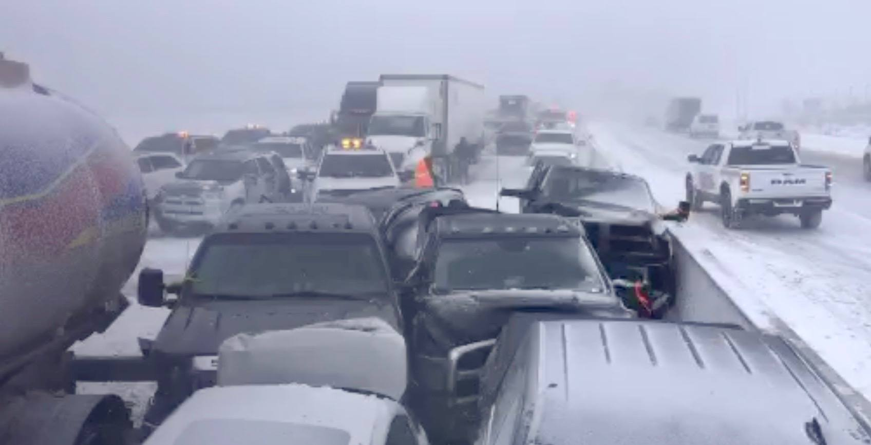 Up to 30 vehicles involved in massive pile-up on Highway 400 (VIDEOS)