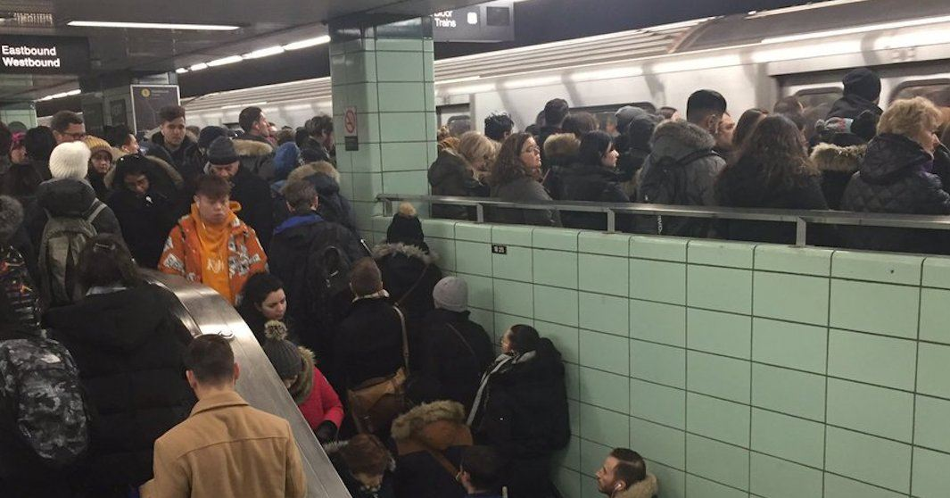 Early morning signal problem causes chaos on the TTC (PHOTOS)