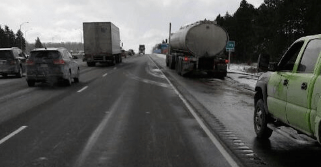 25,000 litres of sewage waste dumped on stretch of Highway 400