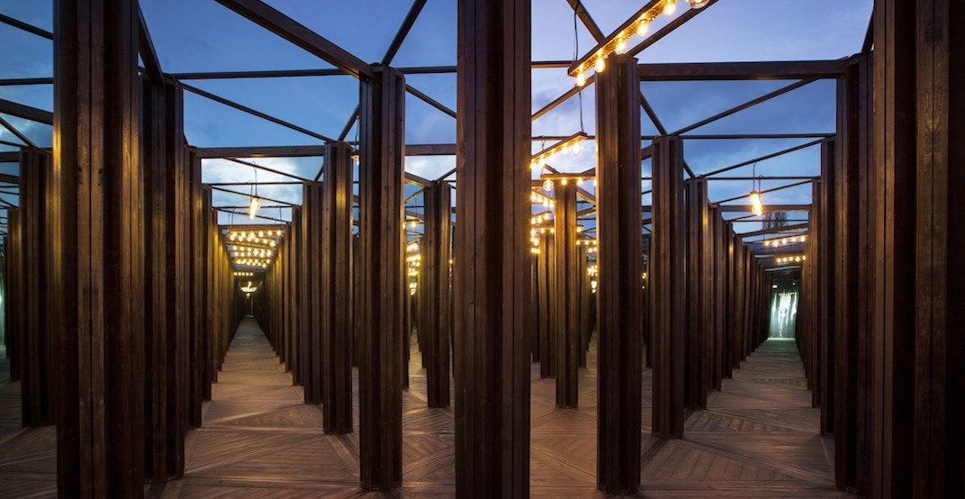 A massive mirrored maze is coming to Toronto this June (VIDEO)