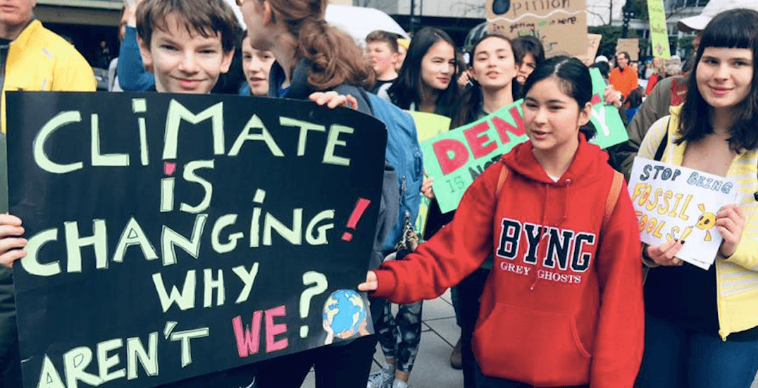 Thousands of students protest climate change in Vancouver (VIDEOS)