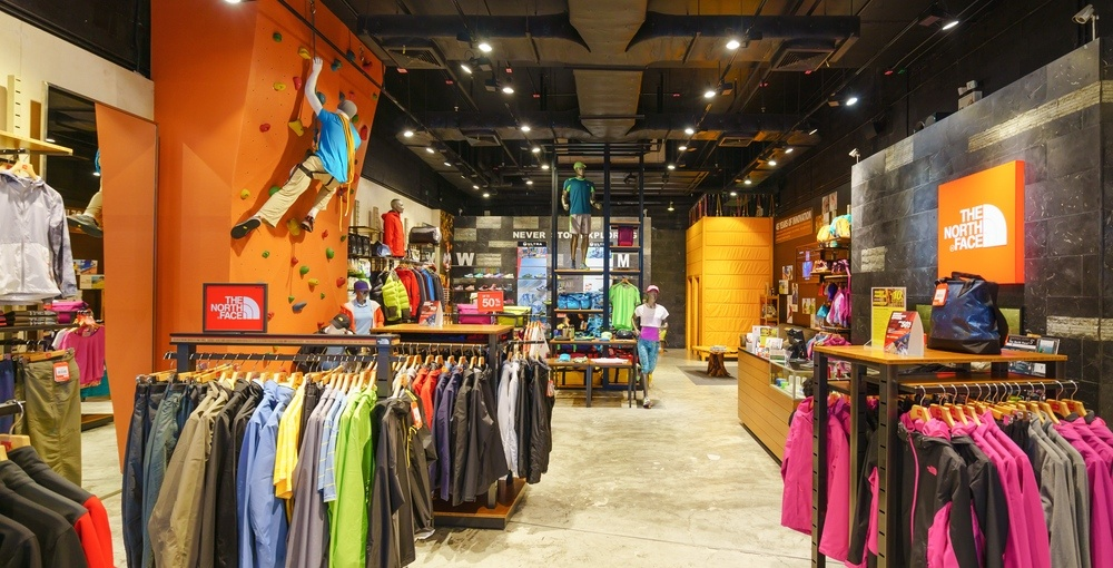 f749d2974 The North Face has opened a new store at Premium Outlets Montreal ...