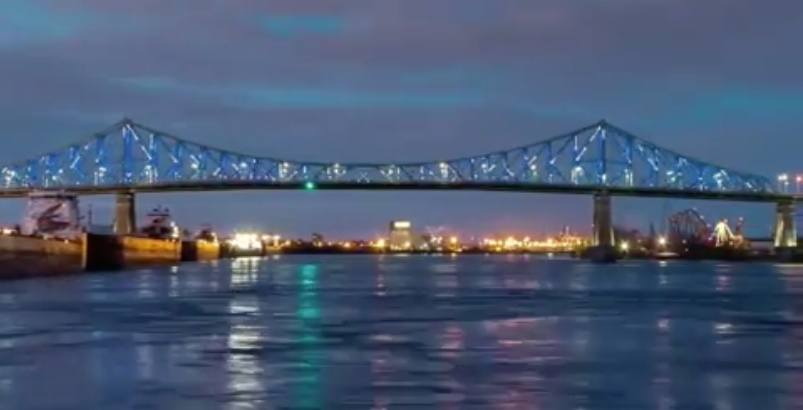 Timelapse captures gorgeous illumination of the Jacques-Cartier Bridge (VIDEO)