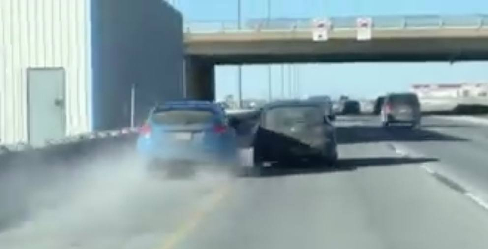 Driver dangerously passes car on shoulder of Laval highway (VIDEO)