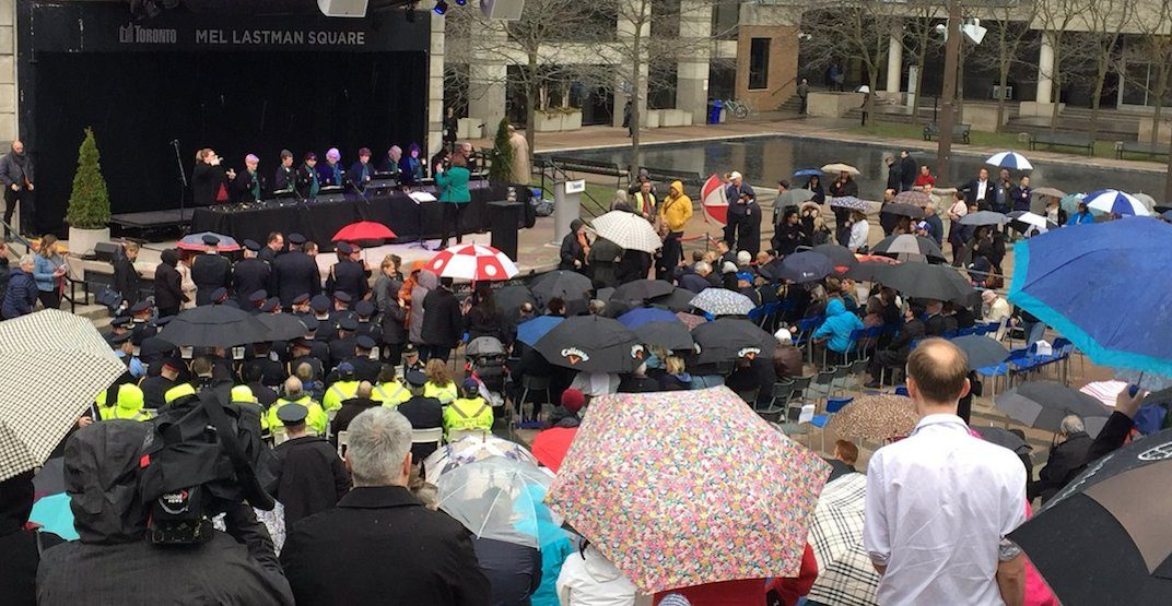 Hundreds gather to honour lives lost in Yonge Street tragedy (PHOTOS)