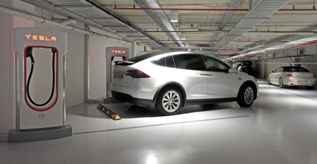 Tesla supercharger electric battery vehicle