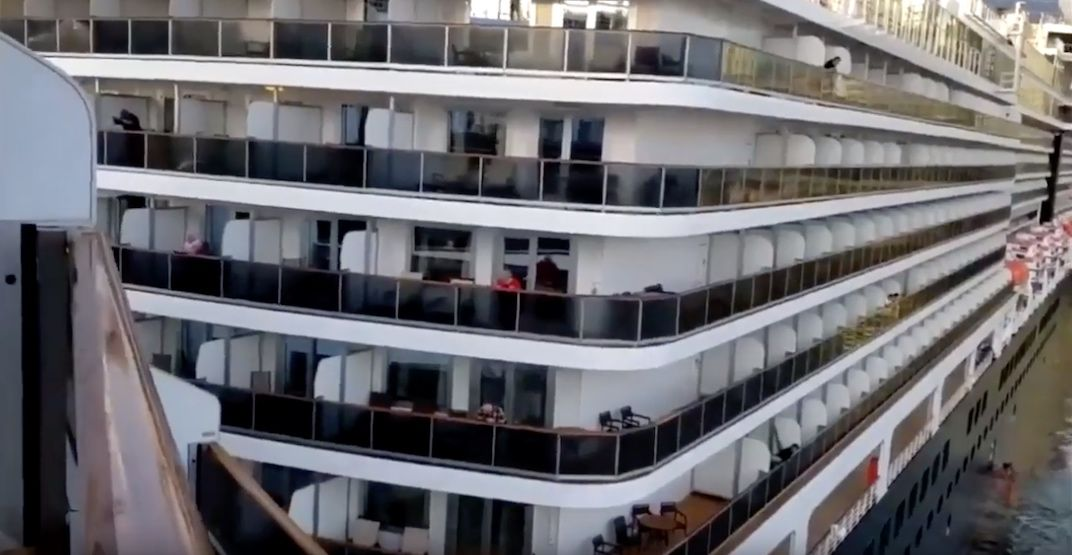 Footage of two cruise ships colliding at Vancouver's Canada Place (VIDEO)
