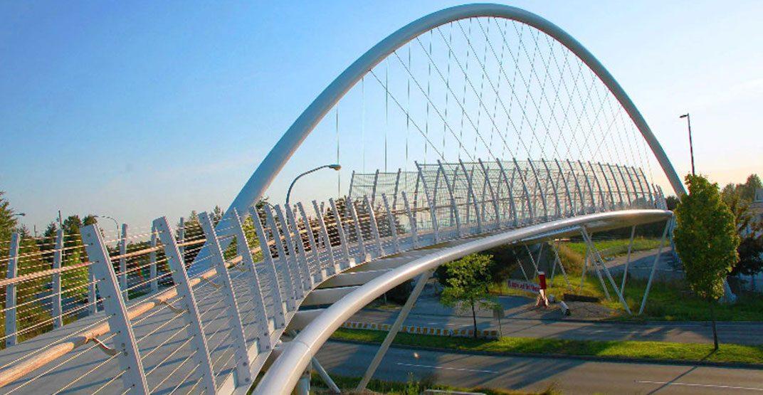 Burnaby considering new pedestrian bridge over Highway 1 to improve park access