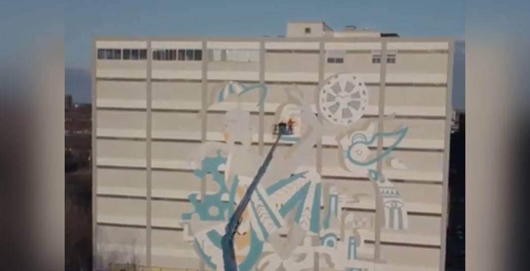 Drone footage captures progress of historic new mural in Montreal (VIDEO)