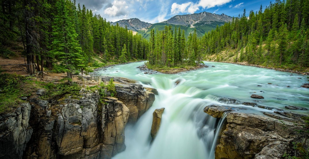 Awesome Alberta: Explore the stunning Sunwapta Falls (PHOTOS)