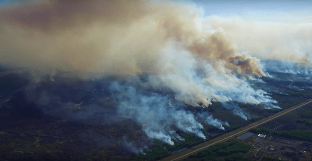 Aerial footage show the terrifying size of the Chuckegg Creek Wildfire (VIDEOS)