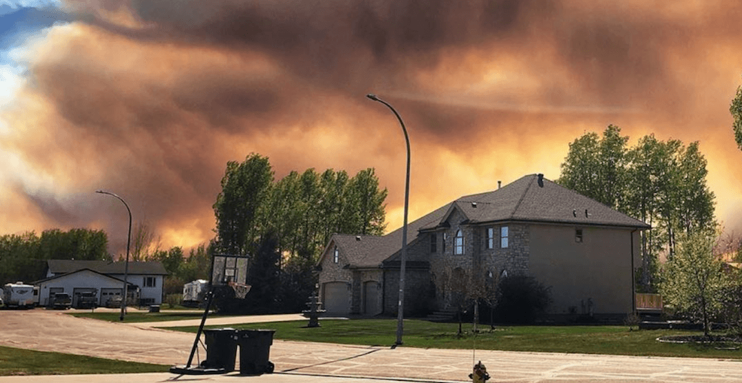 Wildfire smoke is making northern Alberta look apocalyptic (PHOTOS)