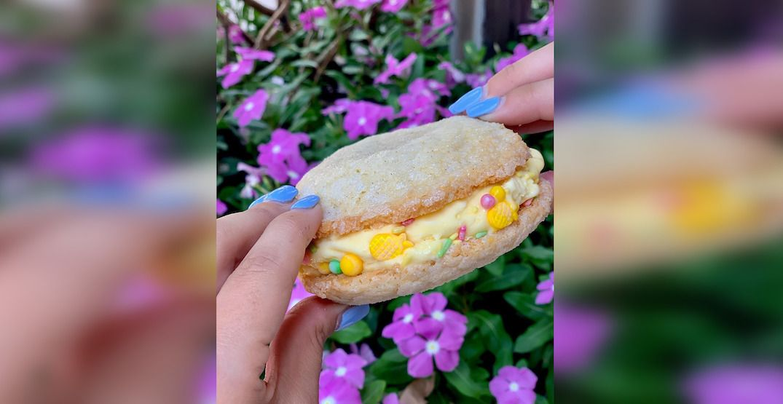 The frozcato sugar cookie sandwich. %40winebargeorgeinstagram