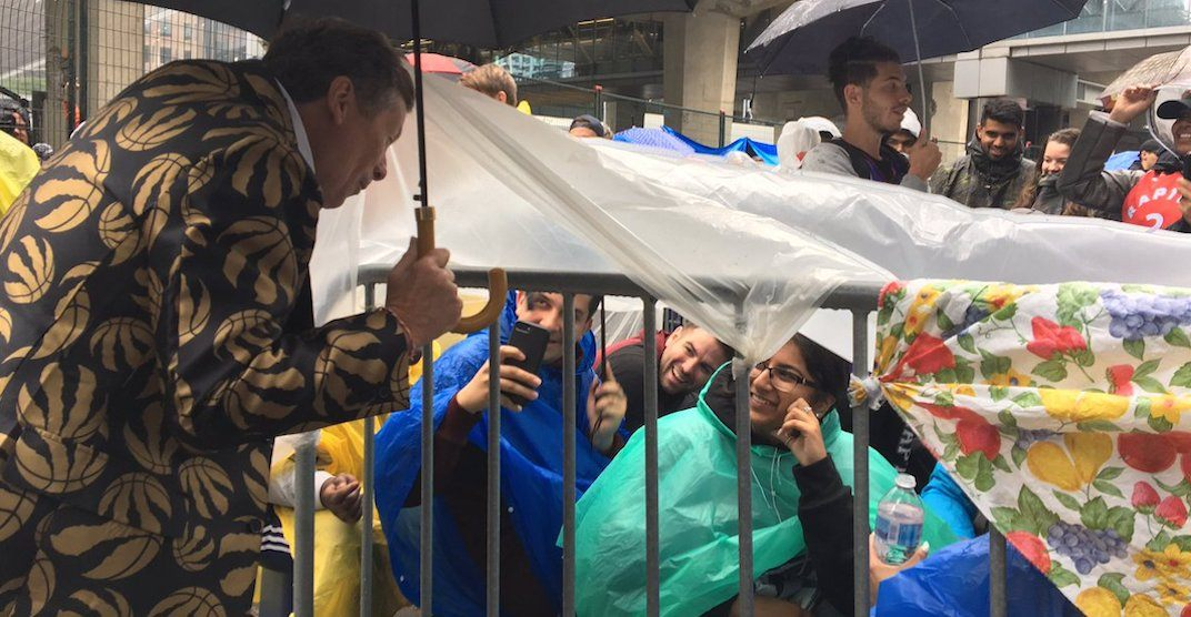 Raptors fans lining up for Jurassic Park despite the rain (PHOTOS)