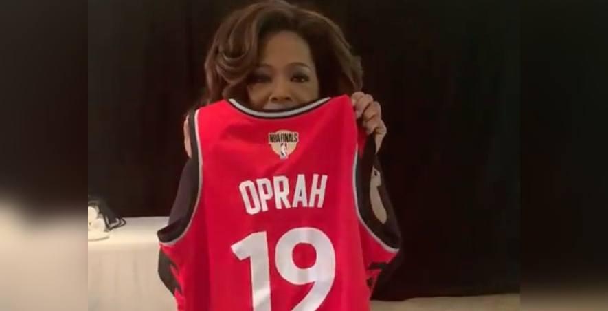 Oprah rocks Raptors jersey before Canadian show (VIDEOS)