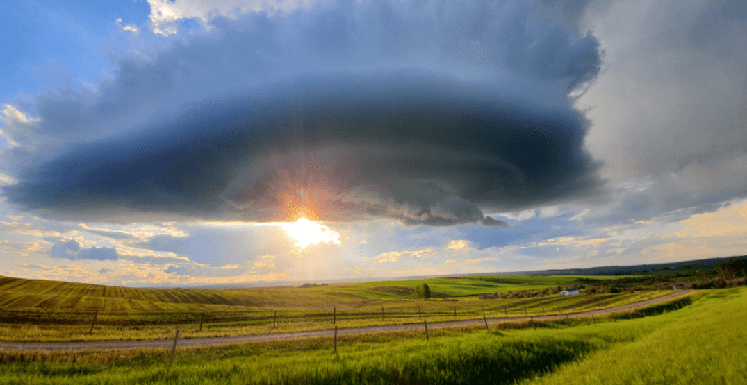 Here's a look at the thunderstorms raging across Alberta (PHOTOS)