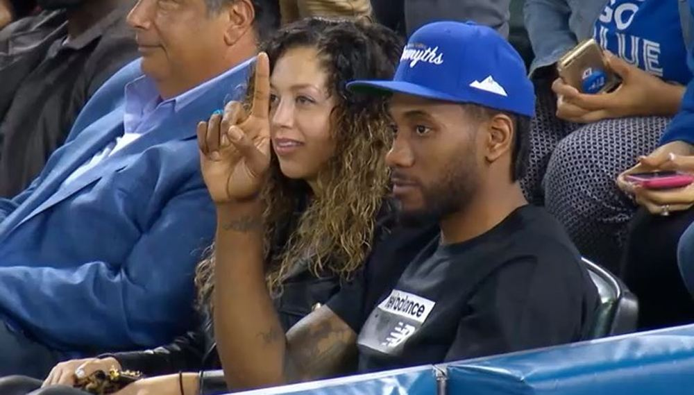 Kawhi Leonard gets a hero's welcome at the Blue Jays game (VIDEO)
