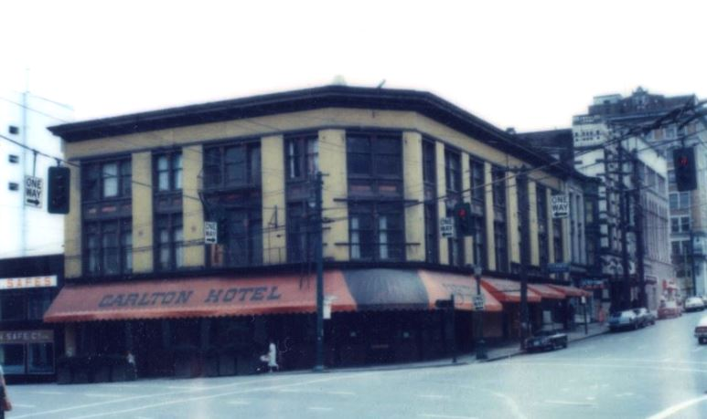 The Carlton Hotel the last time it shut down in 1979. City of Vancouver Archives #810-122.