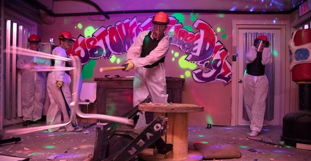 You can smash stuff at this boozy mini golf pop-up coming to Toronto