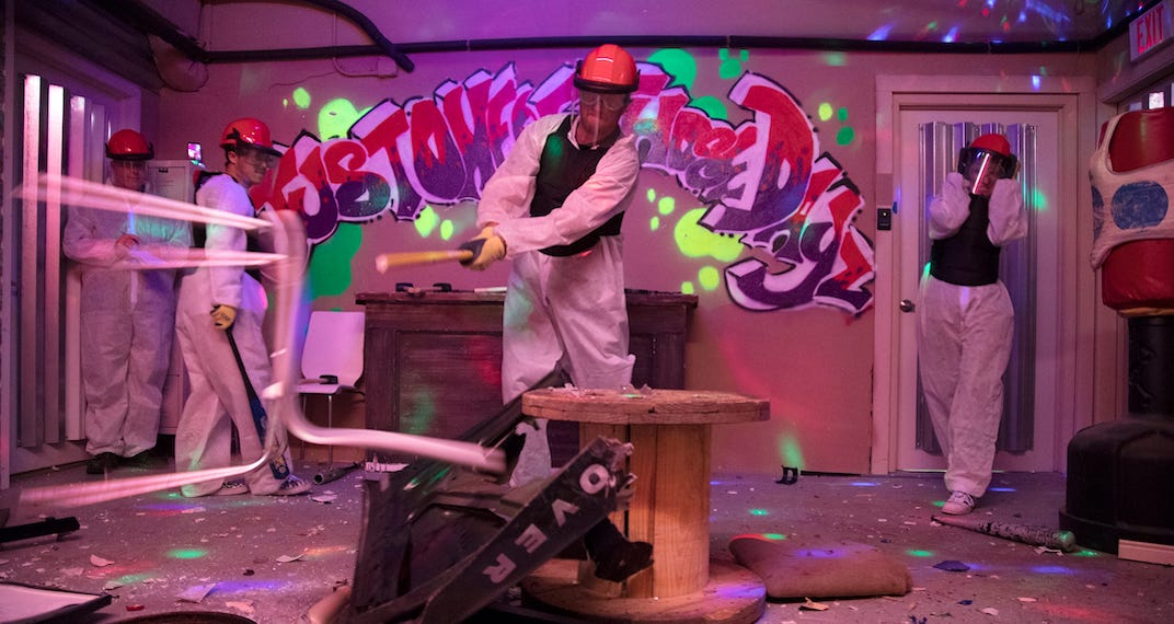 A mini golf smash room pop-up is coming to Calgary