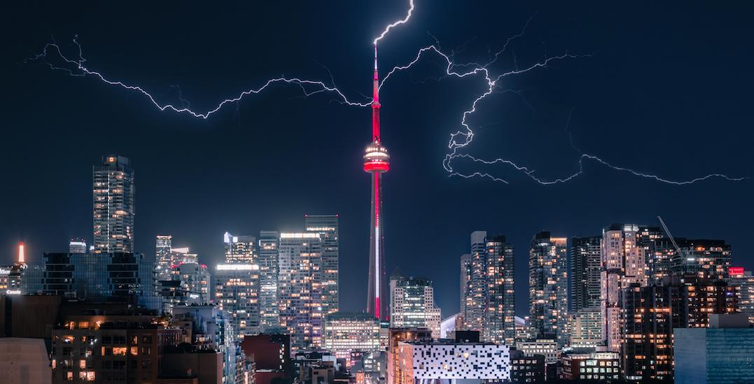 Incredible shots of this weekend's fierce lightning storm in Toronto (PHOTOS)