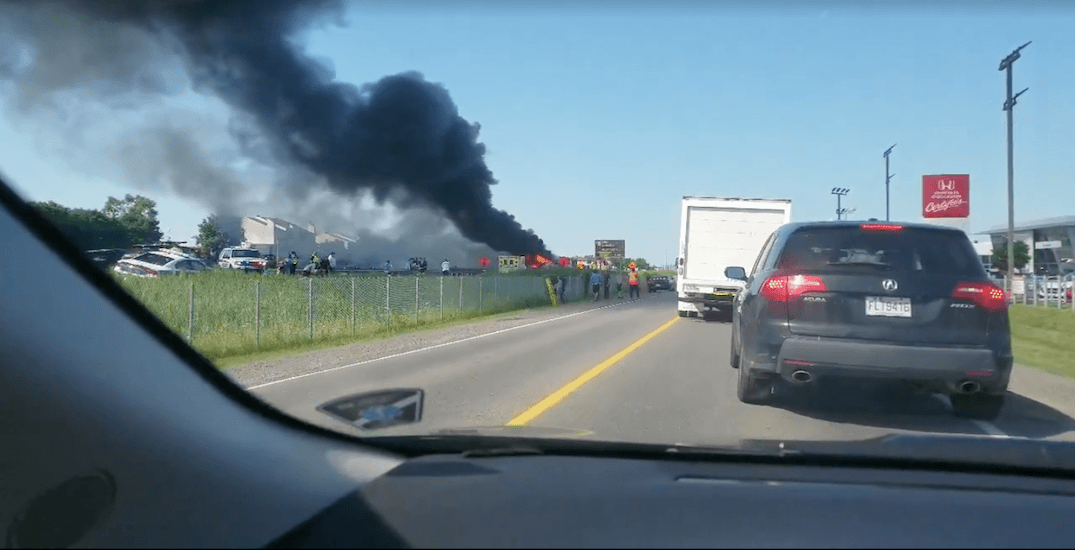 69 people hospitalized after 2 school buses catch fire in St-Eustache (VIDEO)