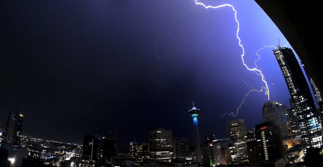 Calgary hit by an early morning lightning storm on Wednesday (VIDEOS)