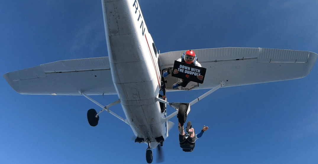 Ultra low cost carrier stages sky-high protest against Canadian airline 'duopoly' (VIDEO)