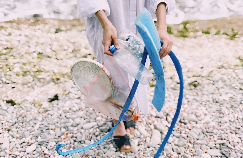 bali beach plastic