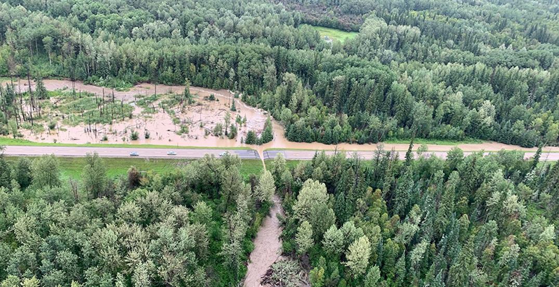 Northern Alberta community remains under evacuation due to flooding (PHOTOS)