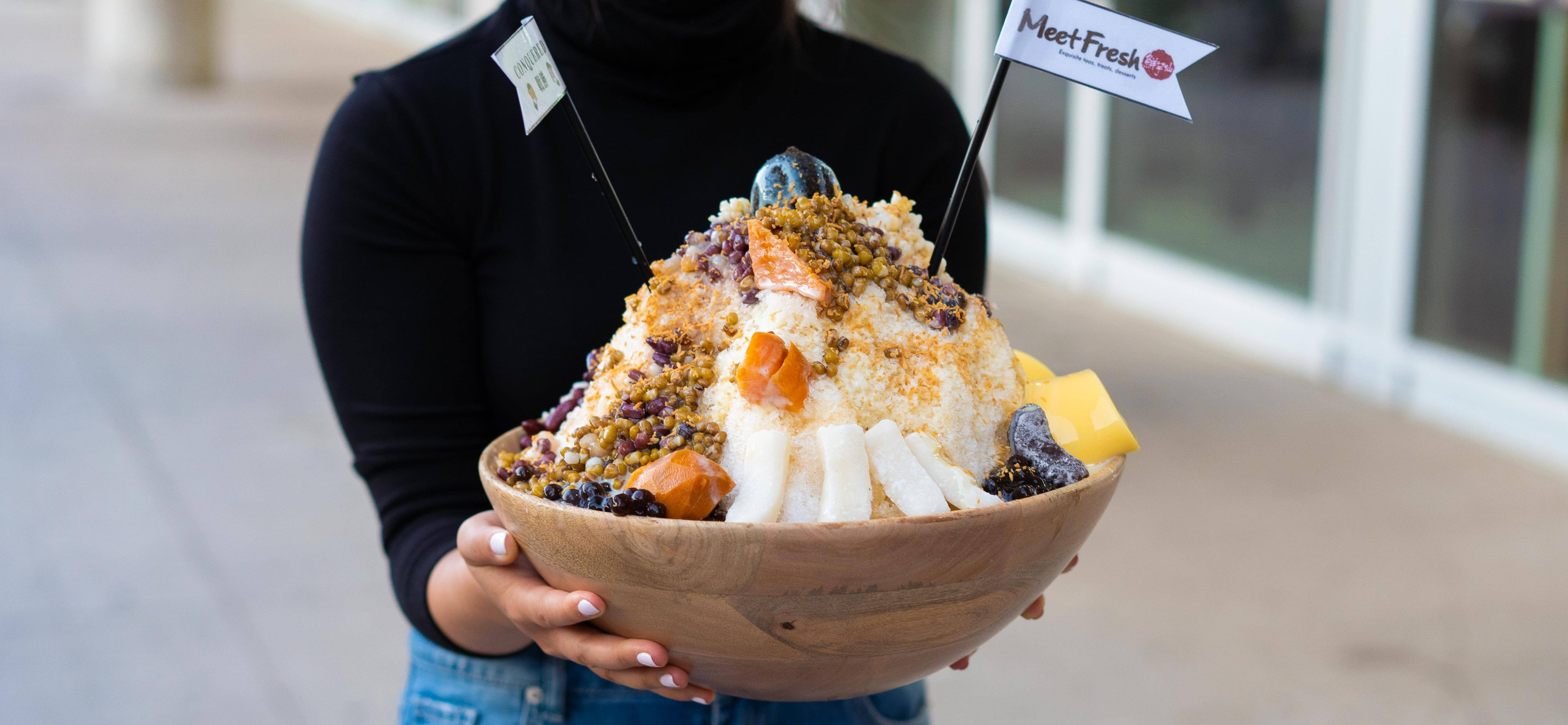 This Taiwanese Dessert spot is challenging people to eat their 10 lbs bowl of shaved ice