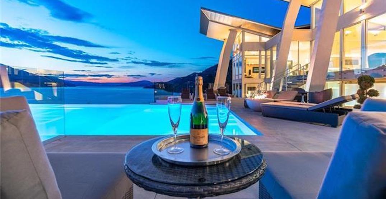 A look inside: $10.9-million 'award-winning' Okanagan lakefront mansion (PHOTOS)