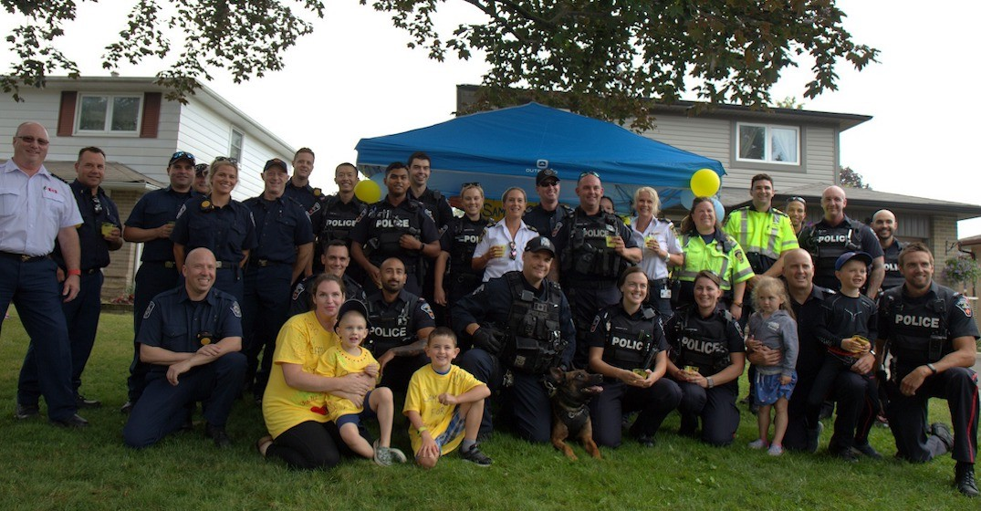 Police visiting cancer-stricken young boy's lemonade stand will warm your heart (PHOTOS)