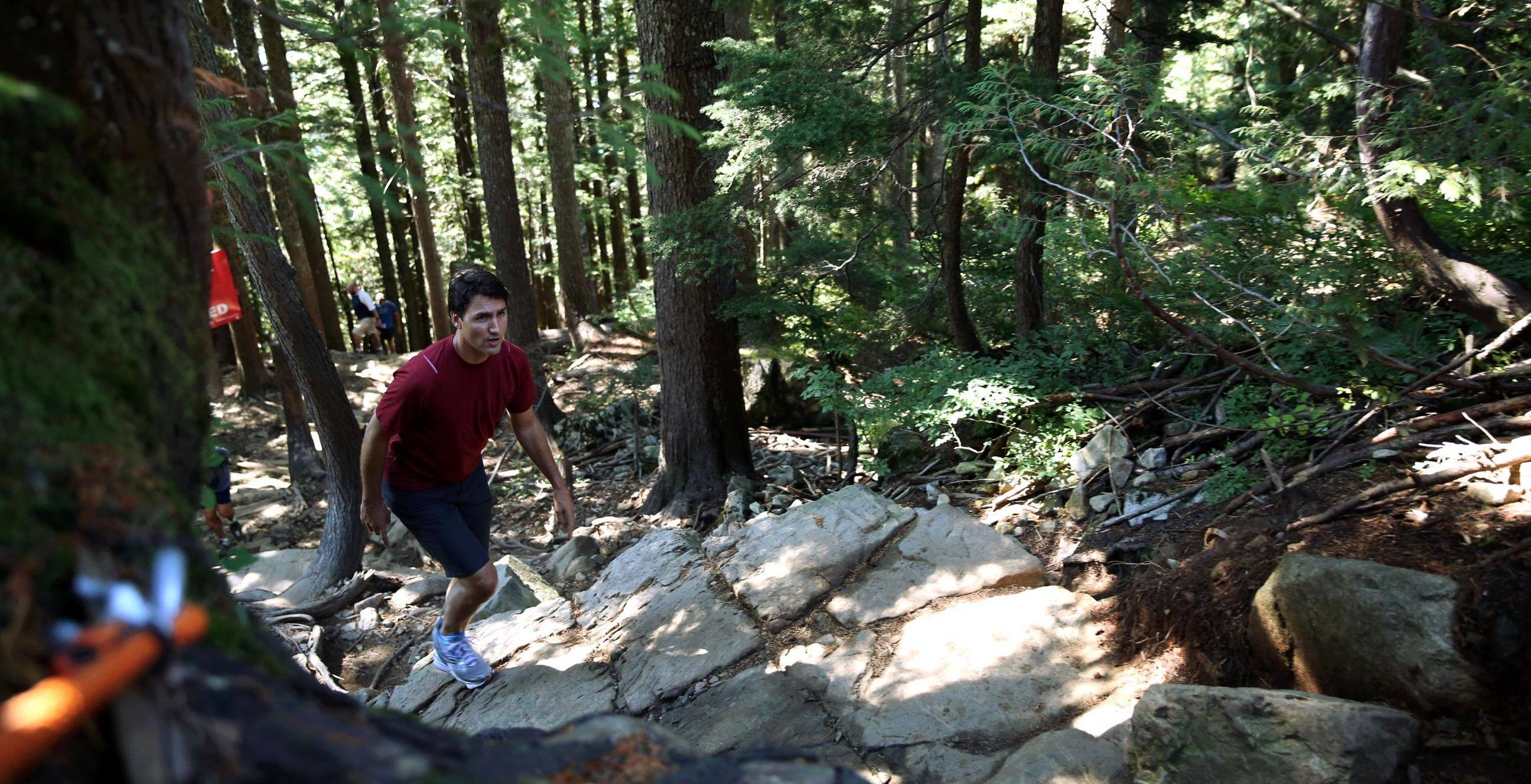 Justin Trudeau completes Grouse Grind with impressive time (PHOTOS)