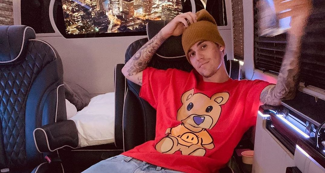 Justin Bieber shows off Beverly Hills mansion as he thinks about selling it (PHOTOS)