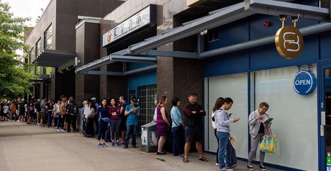 Vancouver's 'Fufú Café' drew MASSIVE lines over the weekend (PHOTOS)