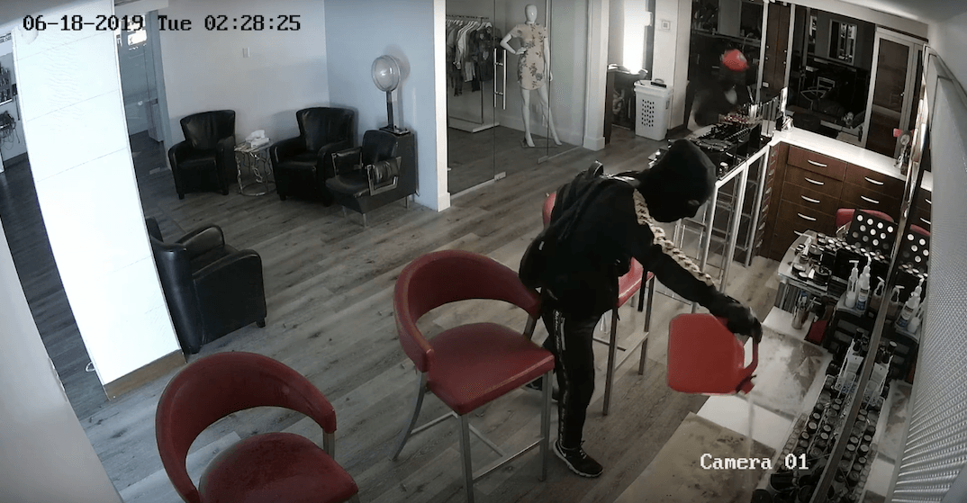 Police seek public's help identifying suspects in Montreal arson case (VIDEO)