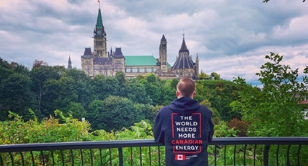 Calgarian barred from tour of parliament for wearing Canadian energy shirt