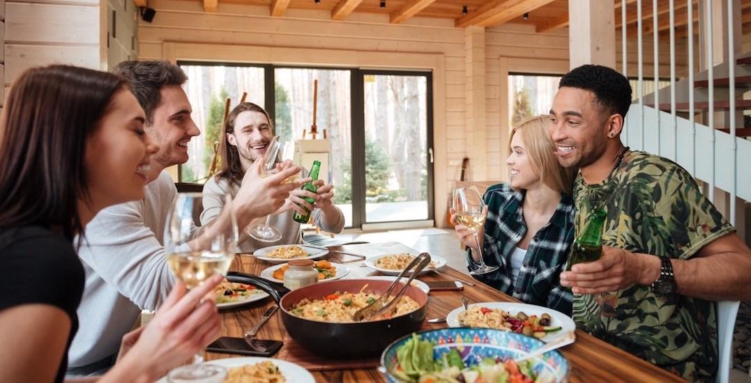 5 tips for hosting the perfect Friendsgiving dinner