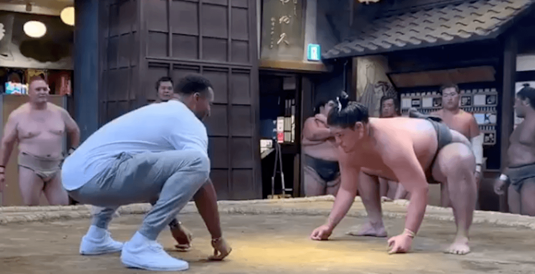 Toronto Raptors players try sumo wrestling in Japan (VIDEO)