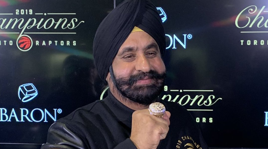 Toronto Raptors gave Superfan Nav Bhatia his own championship ring (PHOTOS)