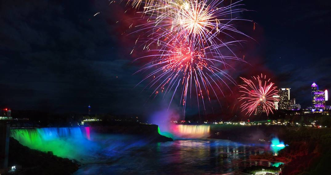 You can celebrate New Year's Eve with Bryan Adams for FREE at Niagara Falls