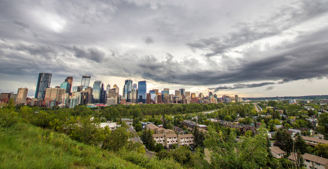 Heat warning still in effect for Calgary, though rain on its way